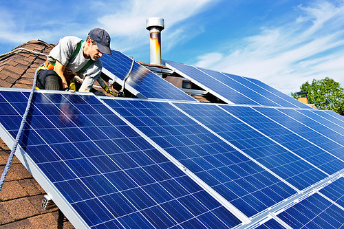 How Harnessing Solar Power Can Slash Energy Bills